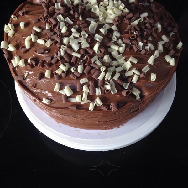 chocolate-fudge-cake-large-600x600